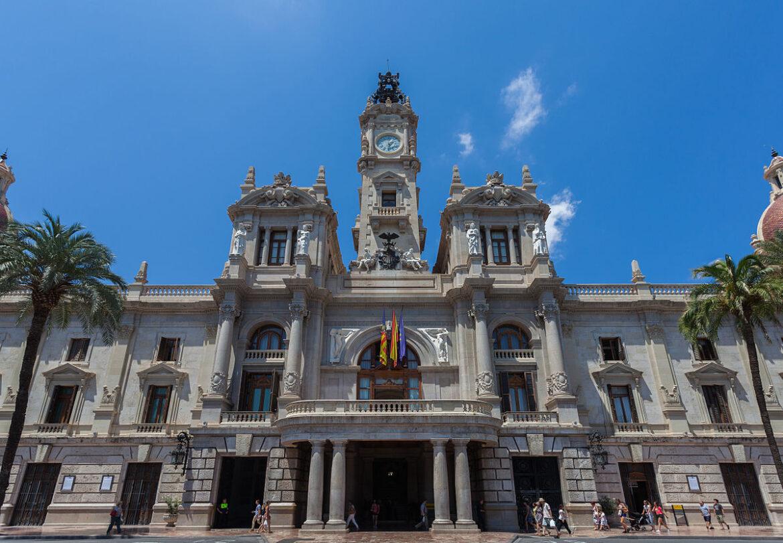 Ayuntamiento_de_Valencia,_España,_2014-06-30,_DD_120